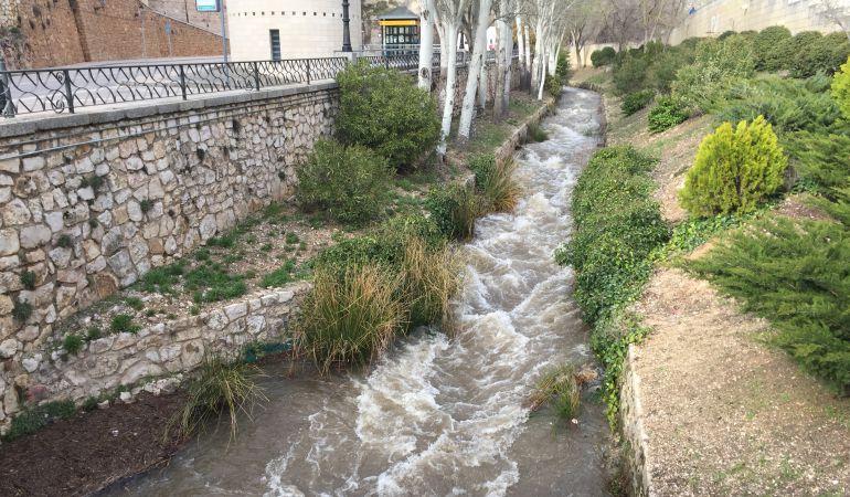 El río Huécar, este domingo