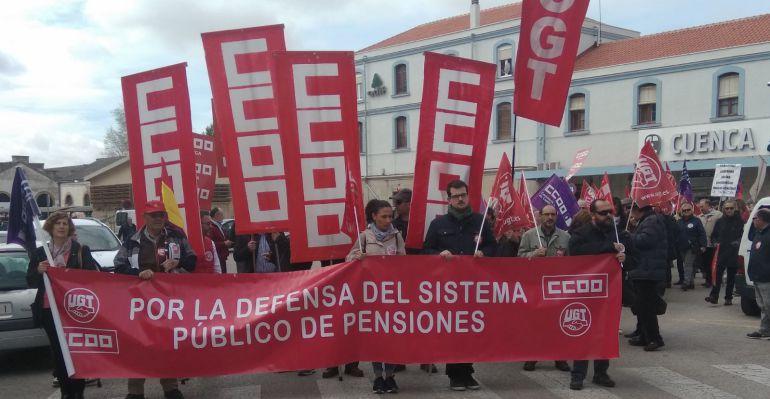 """Sindicatos y pensionistas salen de nuevo a la calle para reclamar pensiones """"dignas"""""""