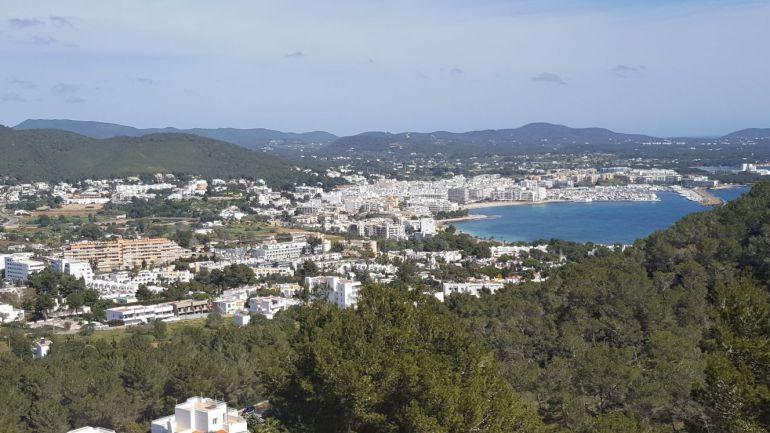 Imagen panorámica del municipio de Santa Eulària.