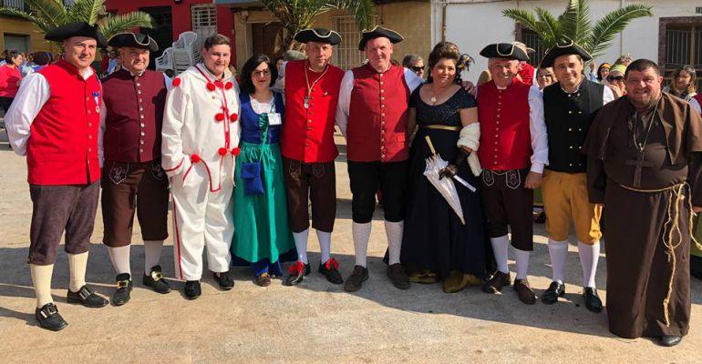 El alcalde de Arquillos, Miguel Ángel Manrique (quinto por la izquierda) acompañado de otros regidores de Nuevas Poblaciones.