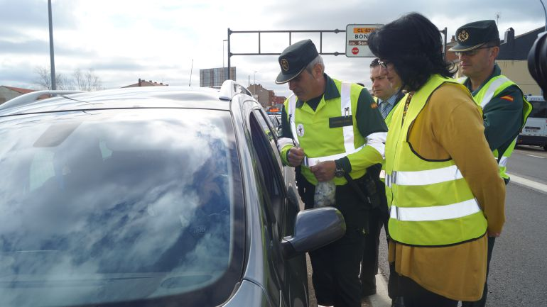 La subdelegada del Gobierno participó en el inicio de esta campaña de control de velocidad