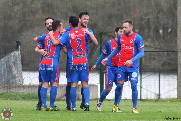 La Unaión Deportiva Ourense, cada jornada más cerca de su objetivo, el ascenso a la tercera divsión