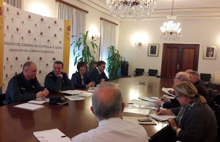 Imagen de la reunión de coordinación de los conciertos de Pedraza, realizada en la Sebdelegación de Segovia