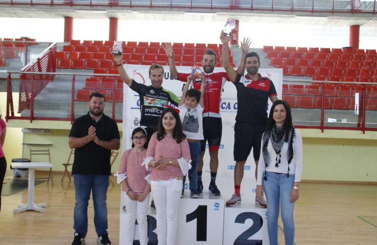 El podio final de la Vuelta a Almería.