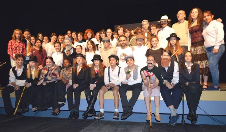 Los alumnos de Parla siguen representando obras de teatro de primer nivel en el escenario del Jaime Salom