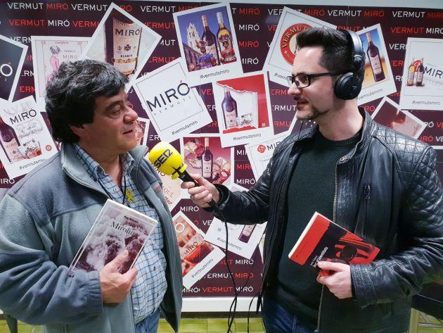 """Pep Macaya parlant de la seva novel.la """"Mirolina"""" a la sala de tasts de Vermut Miró"""