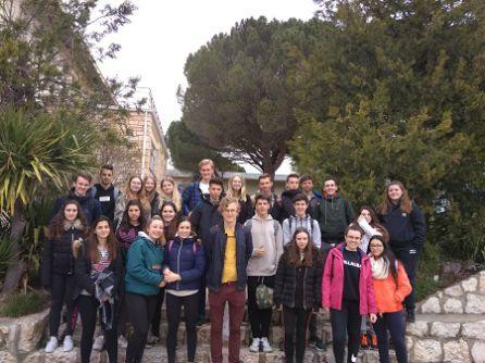 Los estudiantes suecos en las instalaciones de San Gabriel
