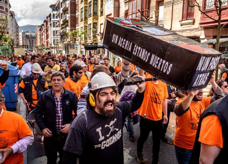 Productos Tubulares retira el ERE para el despido de 157 trabajadores