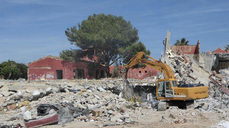Trabajos de demolición de Las Beatillas (El Puerto de Santa María)