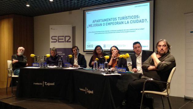 La jornada de debate, en la sede de Cajasol.