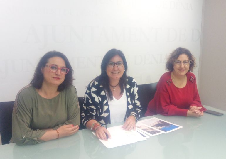 Tres concejalas del grupo municipal del PP en el Ayuntamiento de Dénia.
