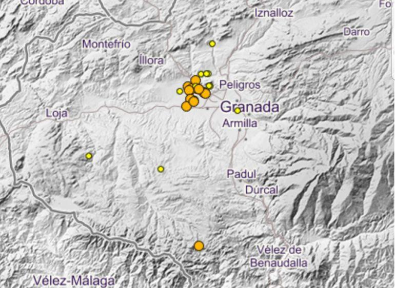 El mapa muestra la concentración de seísmos en las últimas horas en la Vega de Granada