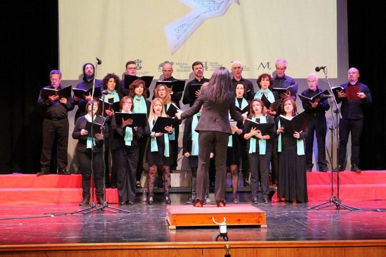 Uno de los coros participantes