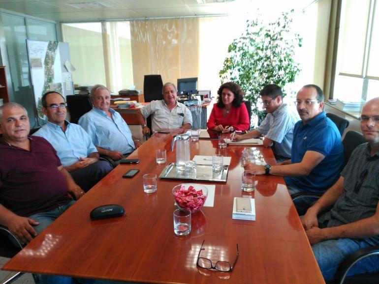 Imagen de archivo de Pepa Marí en una reunión con taxistas