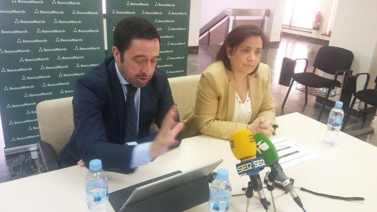 Alberto del Cid y Cristina Faura en la presentación de la memoria del 2017