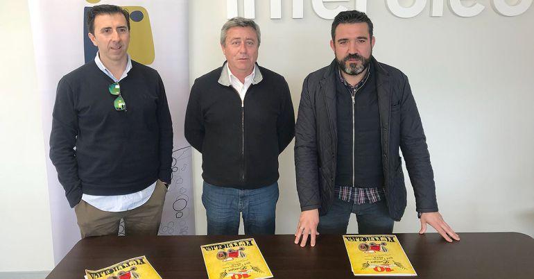 (De izquierda a derecha) Sebastián Moreno [Pópulo], Juan Gadeo [Interóleo] y Santiago Calvo [Pópulo]