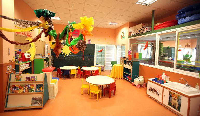 Cifuentes rebaja un 5 % los precios de las escuelas infantiles públicas