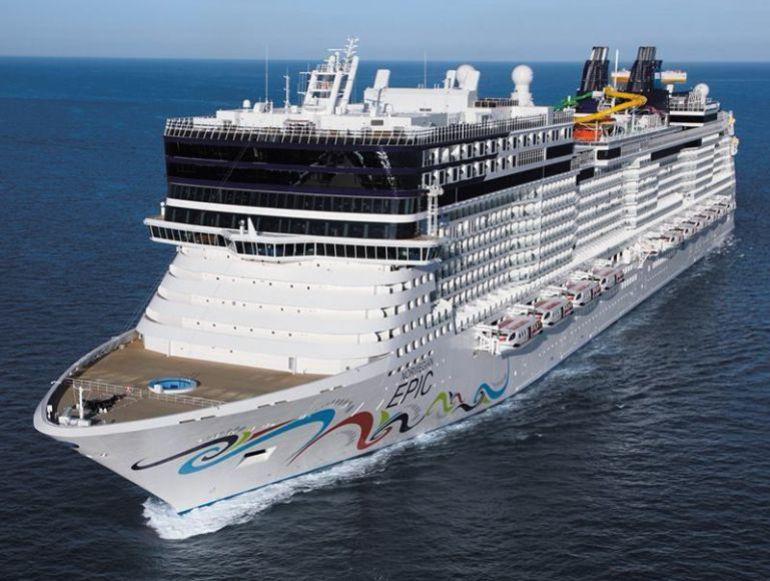 Ecologistas, comerciantes y vecinos aplauden la llegada escalonada de cruceros