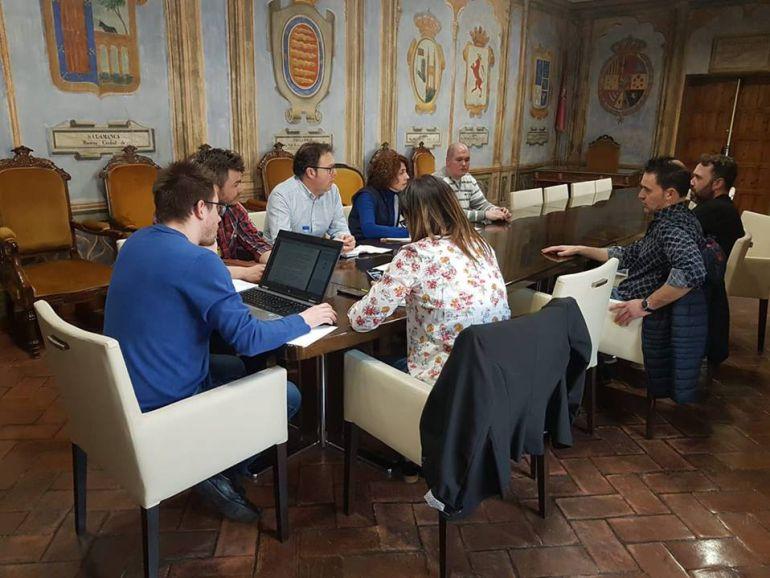 Encuentro entre Ayuntamiento y hosteleros para trabajar sobre las fiestas de San Antolín