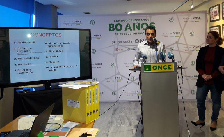 El maestro Ángel Lucas presenta el método Braitico en la sede de la ONCE