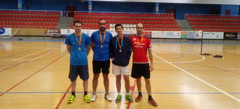 Ganadores de la sexta pruba del circuito provincial de bádminto que tuvo lugar en Úbeda