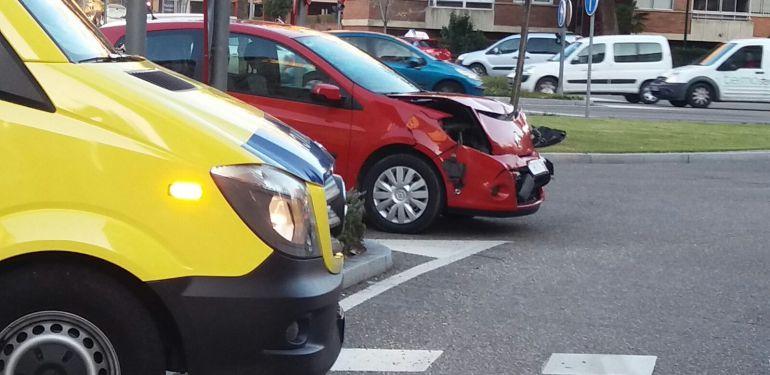 El accidente ha tenido lugar en el cruce de la avenida de Salamanca y la avenida Miguel Ángel Blanco