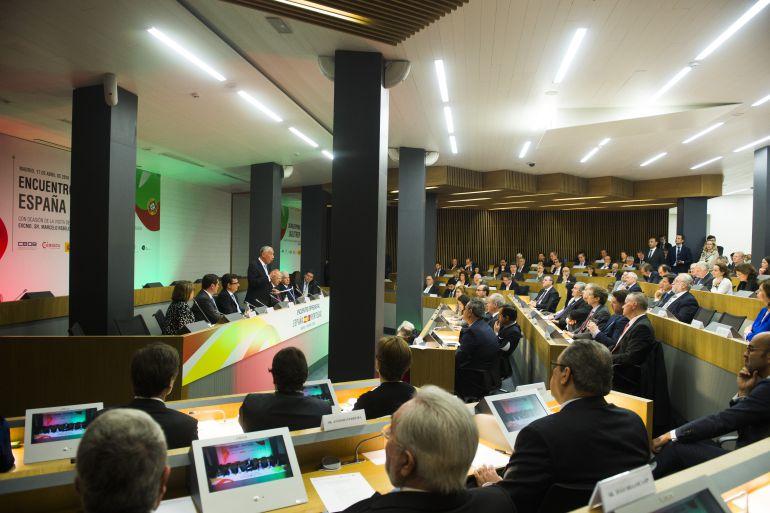 Rebelo de Sousa interviniendo en el Encuentro Empresarial España-Portugal