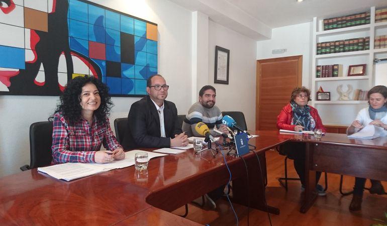 El alcalde y los dos tenientes de alcalde de Valdemoro, durante su coparecencia