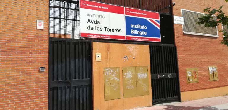 Fachada del instituto público IES Avenida de los Toreros, de Madrid