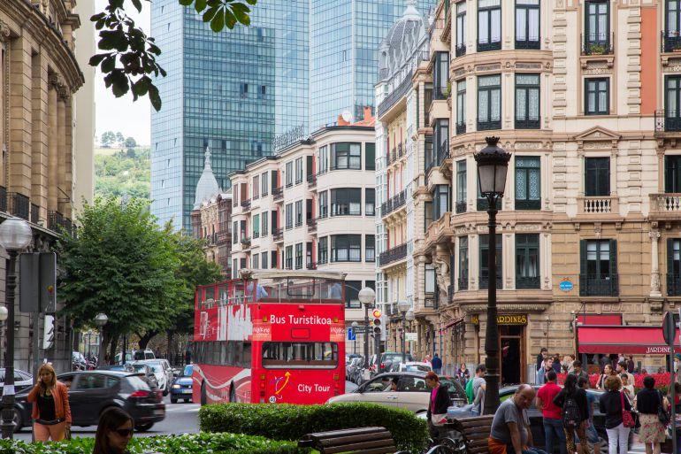 Competencia cuestiona la legalidad de la nueva normativa sobre pisos turísticos