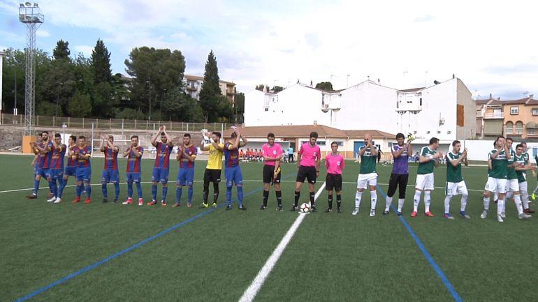 Jugadores del Iliturgi CF 2016 y el Úbeda Viva antes del partido