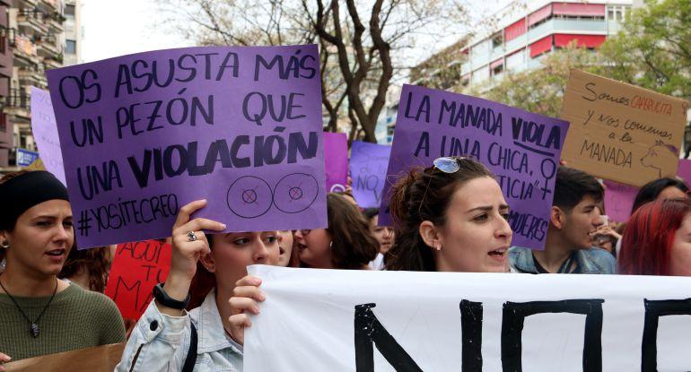 Ahir milers de dones van manifestar-se per tot el país en contra de les agressions sexuals.