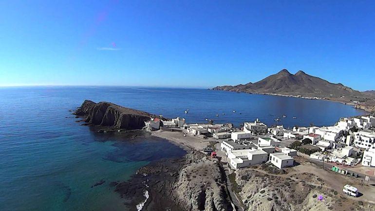 Playa de la Iselta del Moro en Almería.