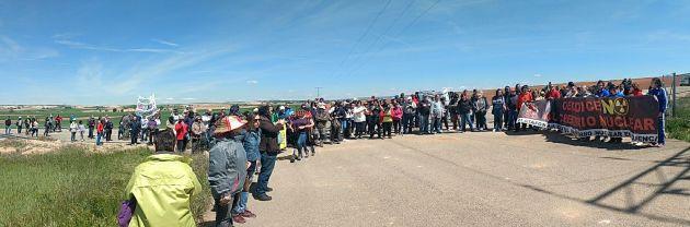 Momento de la Marcha a Villar de Cañas en los terrenos del ATC.