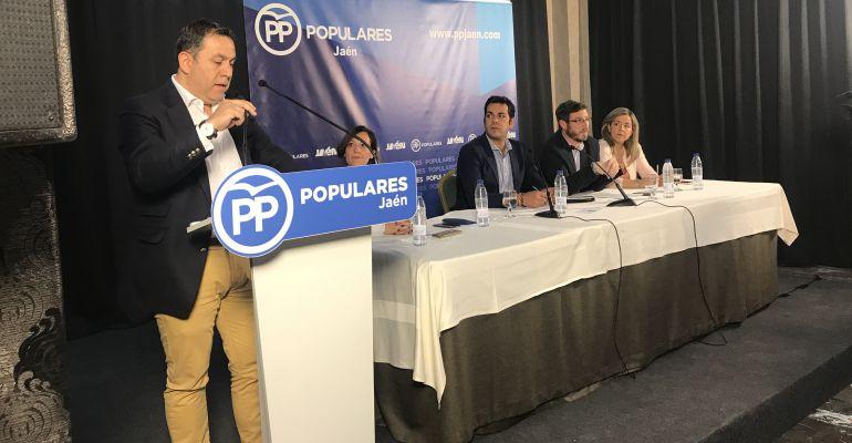 El secretario general del PP de Jaén, Francisco Palacios, se dirige a los afiliados durante la reunión del Comité Ejecutivo Provincial.