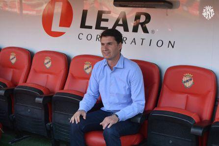 El Nástic presentó a Gordillo como su cuarto entrenador en la presente liga
