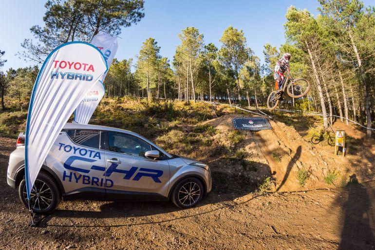Satisfación en la organización de la Copa Galicia de descenso en BTT en Xunqueira de Espadañedo. El Club Ciclista de Maceda, está pensando en una prueba a nivel nacional, el próximo año 2018.