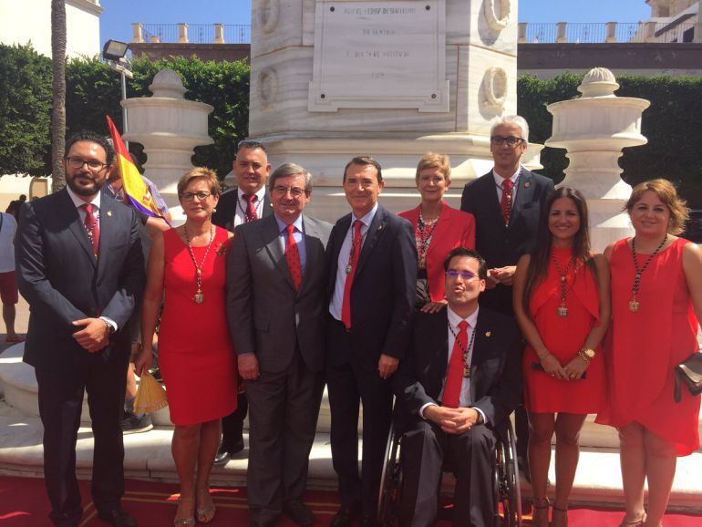 El grupo municipal socialista en el Homenaje a Los Coloraos con Fernando Martínez.