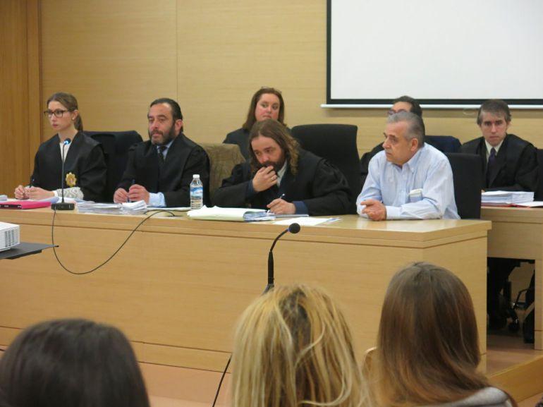 José Tomás Villalibre  (de blanco) se enfrenta a una pena de prisión de 25 años y medio