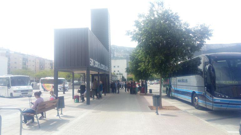 Estación de Autobuses de Dénia, en la calle José Moncho Ferrer.