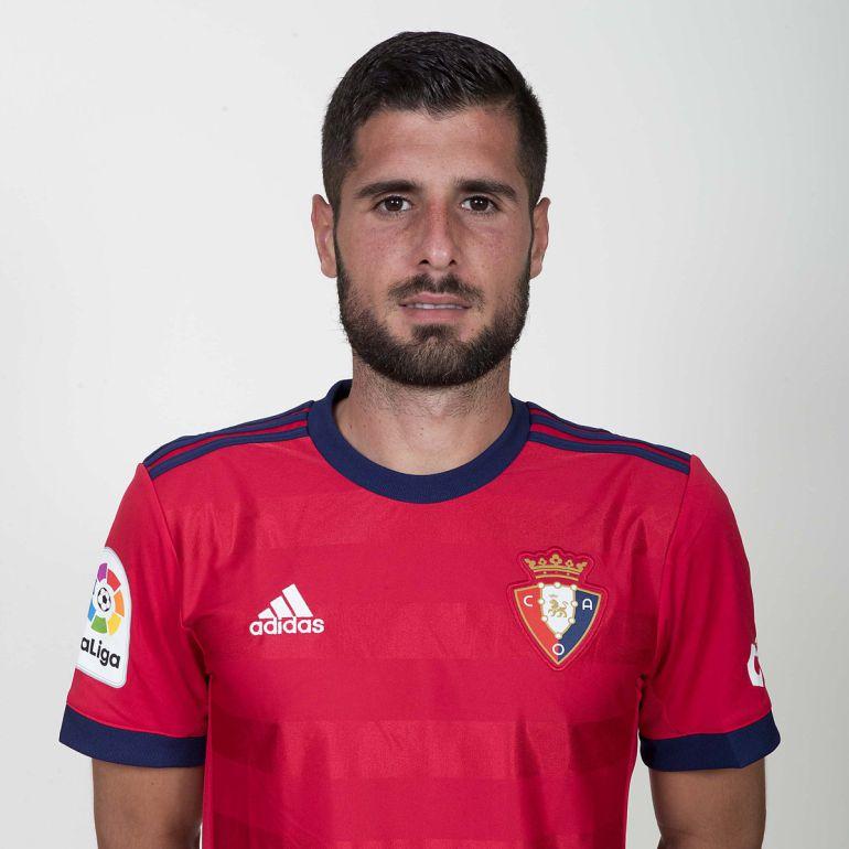Mérida firma batir el récord de tarjetas en Osasuna si se asciende