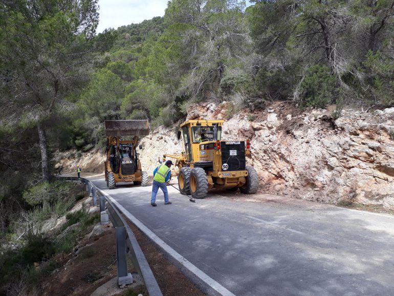 Ultiman las obras de la carretera de Sant Carles a sa Cala de Sant Vicent