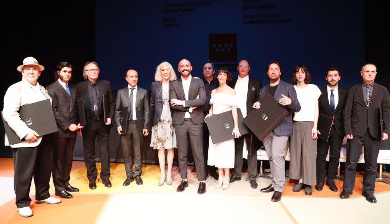 El consejero de Cultura, Jaime De los Santos, con los premiados.