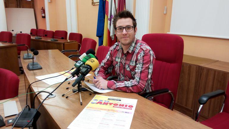 El concejal de festejos, José María Magro, ha presentado la programación de San Antonio