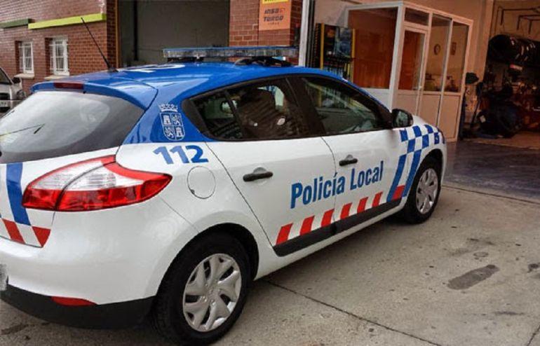 Un agente localizó a un niño de cuatro años en la calle en horario escolar