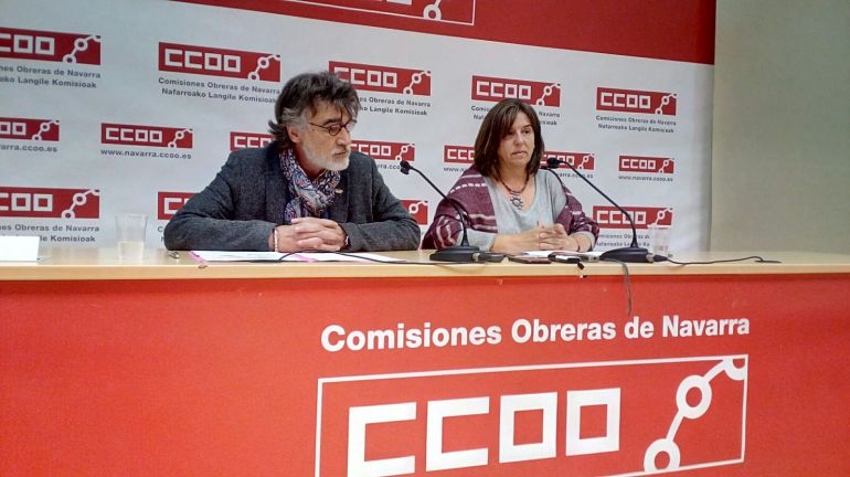 El secretario general de Comisiones Obreras en Navarra, Chechu Rodríguez y la secretaria de Organización, Pilar Arriaga.