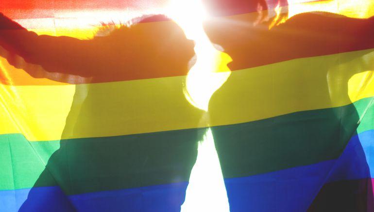 """La consejera de Relaciones Ciudadanas e Institucionales, Ana Ollo, ha destacado que se trata de """"la primera vez que el Ejecutivo foral se suma a la conmemoración del Día Internacional contra la LGTBIfobia"""""""