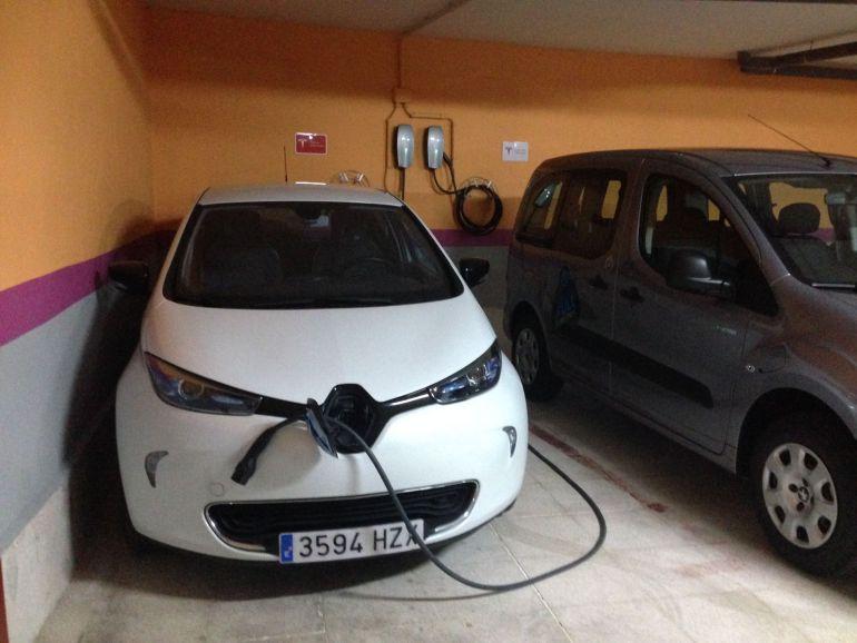 El Hotel San Facundo de Segovia incorpora un punto de recarga para coches eléctricos.