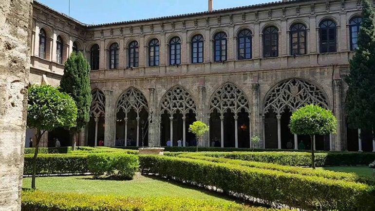 Claustro en el interior del Convento de Santo Domingo de Valencia, en una imagen reciente