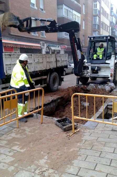 Aquavall reparará tuberías en 20 calles del centro y cortará tres meses la carretera de León